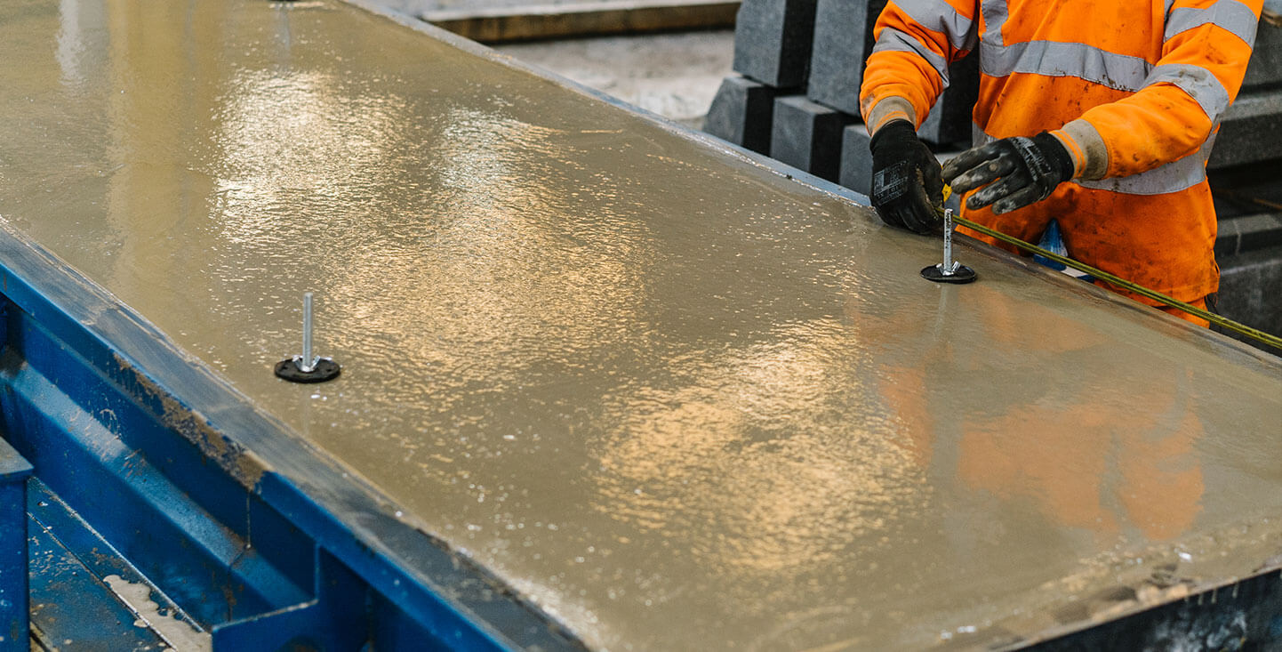 FP-McCann-insulated-flooring-slab-thermabeam-in-manufacture-with-operative-creating-lifting-hooks