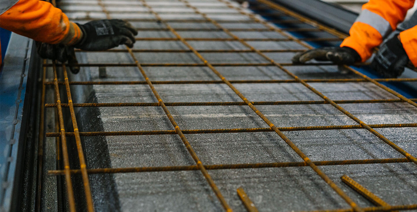 FP-McCann-insulated-flooring-slab-thermabeam-insulation-with-reinforcing-rods-for-concrete